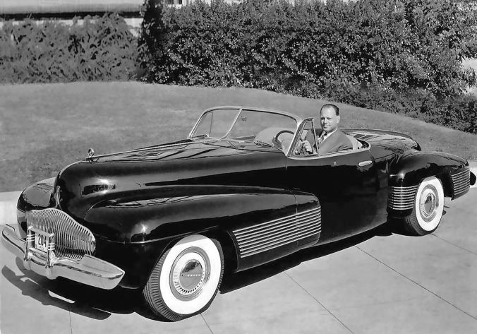1893 : Harley Earl, American Automobile Designer and Executive, Born